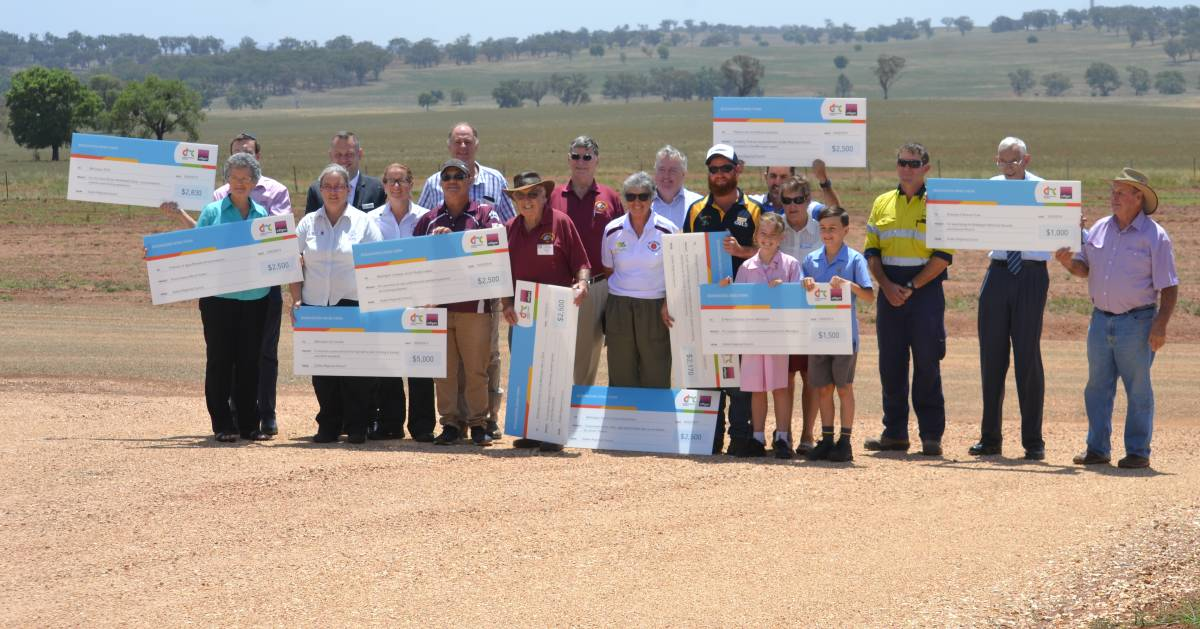 Funded: Representatives of Bodangora Wind Farm and members of the ten community groups after receiving their cheques. Photo: Daniel Shirkie.